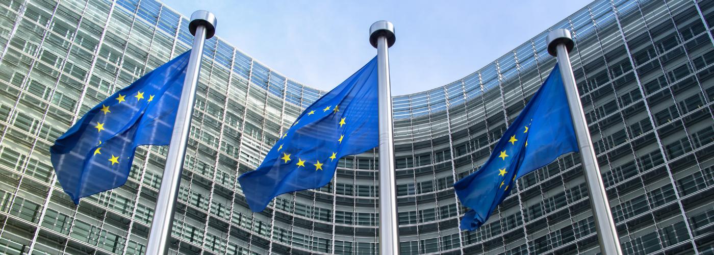 UE przyjęła nowy pakiet klimatyczny - samochody elektryczne będą dostępne dla wszystkich